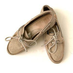 Frye Quincy leather boat shoe size 9.5